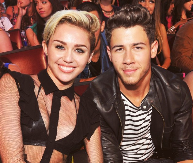 Miley_Cyrus_and_Nick_Jonas_1