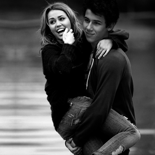 Miley_Cyrus_and_Nick_Jonas_2