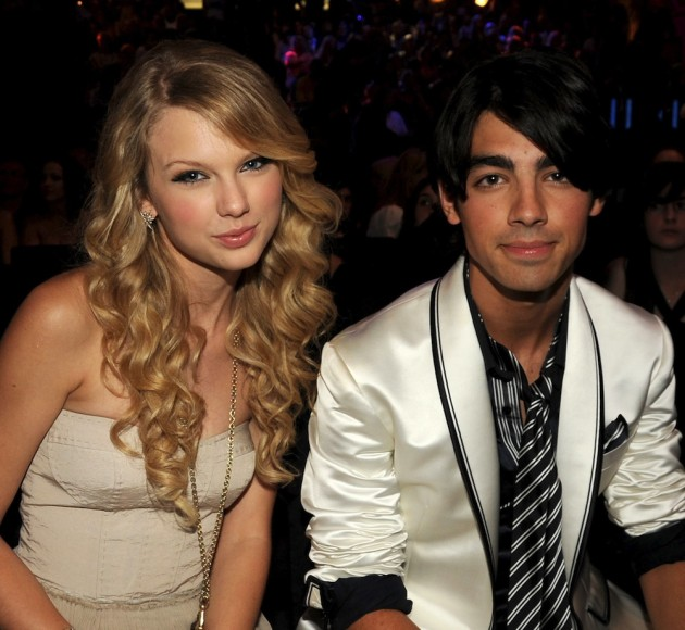 Taylor_Swift_and_Joe_Jonas_1