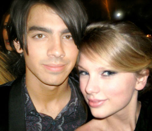Taylor_Swift_and_Joe_Jonas_2