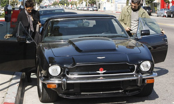 Aston_Martin_V8_Vantage_1
