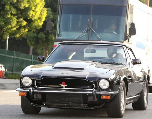 Aston_Martin_V8_Vantage_2